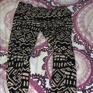 Pants - tribal leggings